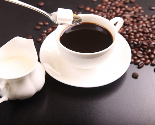 caffè e zolletta di zucchero